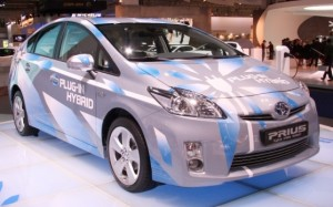 prius hybrid 300x187 Toyota's Hybrid Cars Attacked By New Pollution Figures: Scoring Higher Than Average