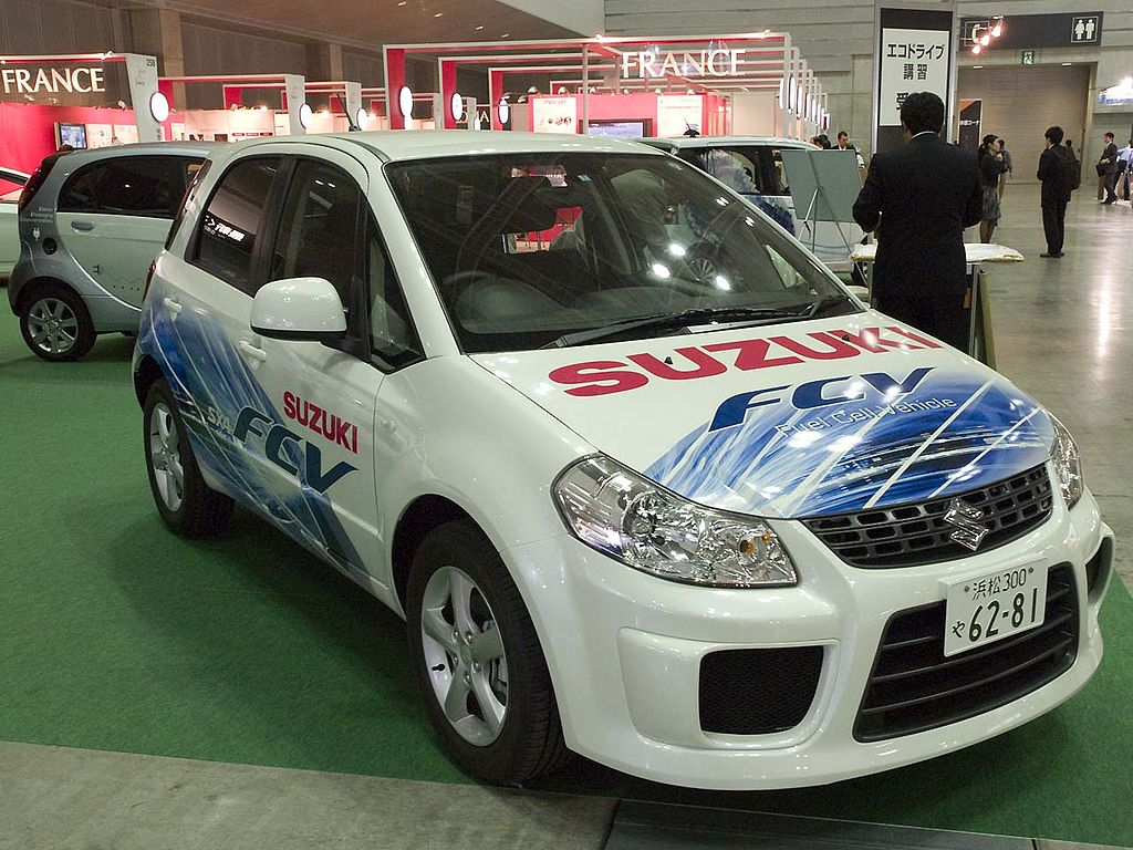 Suzuki SX4-FCV - Hydrogen Fuel Cell Concept Vehicle
