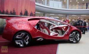 Yo-Avto Yo-Mobil Russia's First Hybrid Vehicle Concept