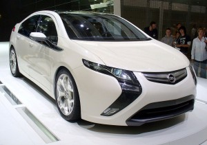 Chevy Volt's Sister in Europe, Opel Ampera, Could Get Smaller Batteries