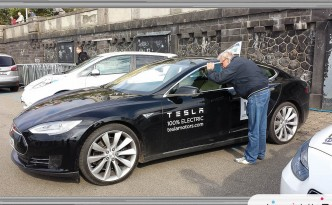 Tesla Model S, Germany Says OK