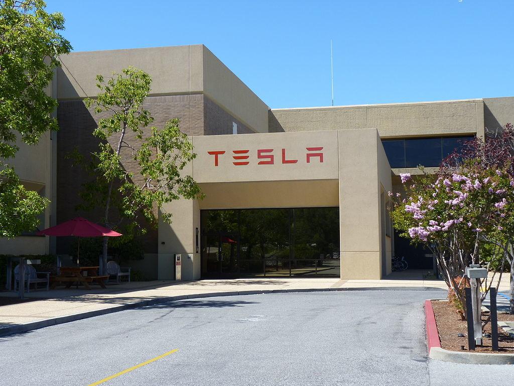 Tesla Motors And Apple An Unlikely Sale Says Elon Musk