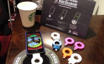 Powermat_at_Starbucks_620x493