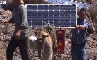 solar-plug-play-donkeys.jpg.662x0_q100_crop-scale