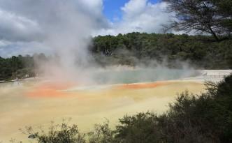 hot-springs-89125_1280