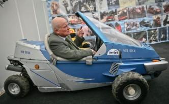 justin-capra-blue-car1