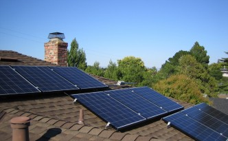 Residential Solar Power Systems Booming, but Should You Lease or Borrow?