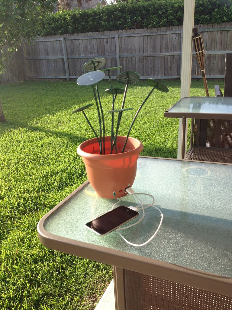 Diy How To Make A Flower Pot That Harvests Solar Energy The Green
