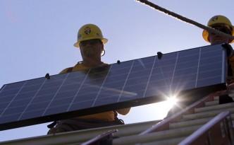 0815VL_Breves_solar_panels_r900x493