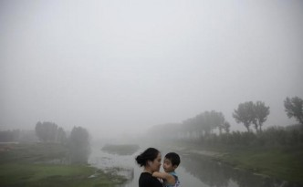 A woman and her child in Beijing.
