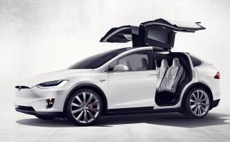 Tesla Model X Launched – Huzzah!