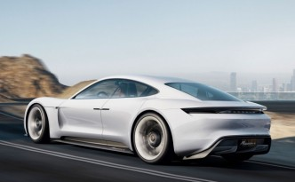 Porsche Fully Electric Vehicle Concept Artwork (Mission E)