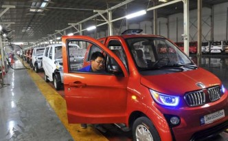 Chinese electric car manufacturing in Qingzhou.