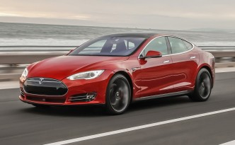The Tesla Model S software update pushed out a slew of new features.