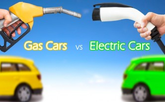 electric-car-vs-gas-car